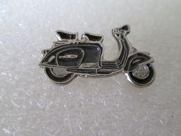 PIN'S   SCOOTER  LAMBRETTA - Motorräder