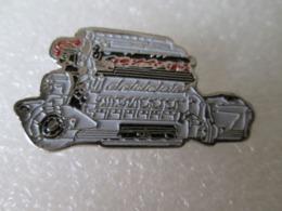 PIN'S    LAMBORGHINI  V12 - Pin
