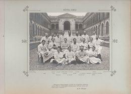 Hôpital HÔTEL DIEU ( Paris ) Médecins  Et Personnels Nommés Photo Argentique Format 18 X 13 Cm Sur Carton 29 X 23 - 1905 - Photos