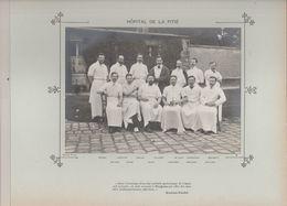 Hôpital De La PITIE Médecins Et Personnels Nommés Photo Argentique Format 18 X 13 Cm Sur Carton 29 X 23 - 1905 - Fotos