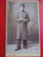 Photographie CDV  Militaire Debout Pipe à La Main - Long Manteau - 2' Sur Col - Photo De N. Paul à Versailles (78) - TBE - War, Military