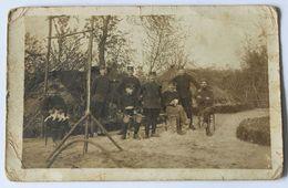 Carte Photo 8 Soldats Adressée à Jean Mahé Boucher à Sarzeau 56 - War, Military