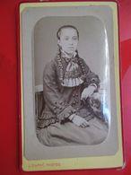 Photographie CDV Très Beau Portrait Jeune Fille Aux Très Longues Nattes - Robe à Voir ! - Photo Jean Dupré à TOULOUSE - Photographs