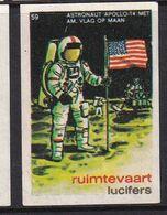 Netherlands Space Weltraum Espace: Lucifers Matchbox Label USA Apollo 14; Astronaut With American Flag - Zündholzschachteletiketten