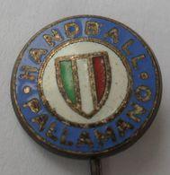Italy Handball Federation HANDBALL PALLAMANO  PINS BADGES P4/5 - Pallamano