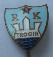 """HANDBALL CLUB RK """"Trogir"""" CROATIA  PINS BADGES P4/5 - Pallamano"""