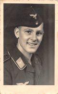 Carte Postale Photo Militaire Allemand Soldat - Soldaten Luftwaffe-Aviation Allemande-WW 2 Guerre-REICH-Krieg-39/45 - War 1939-45