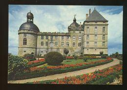Hautefort (24) : La Chapelle Et La Façade Est Du Chateau - Francia