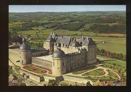 Hautefort (24) : Vu Du Ciel, La Chapelle Et La Façade Est Du Chateau - Francia