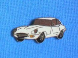 1 PIN'S //  ** JAGUAR E-TYPE / 1970 ** . (Démons & Merveilles) - Jaguar