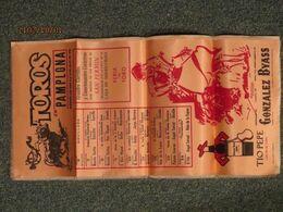 Tauromachie : Affiche Sur Tissu, TOROS En PAMPLONA 1976, Publicité Pour Les Vins TIO PEPE, Cadeau Gonzalez Byass Jerez. - Manifesti