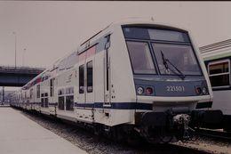 Photo Diapo Diapositive Slide Train Wagon Rame SNCF EOLE à Masséna Le 12/07/96 VOIR ZOOM - Diapositive