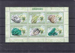 Minéraux - Mozambique - Yvert 2444 / 9 ** - Malachite - Carollite - Ettringite - 12 Euros - Minerals