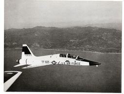 NORTHROP T-38 TRAINER, 1er Avion Supersonique.N° TF-825, Année 1960. Voir Toutes Mes Annonces Sur NORTHROP. 2ème Annonce - Aviation