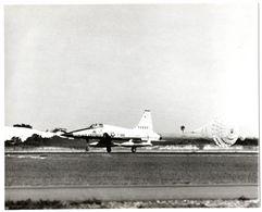 NORTHROP F-5 FIGHTER, Avion Supersonique.N° F-988 à L'atterissage, Année 1960. Voir Toutes Mes Annonces Sur NORTHROP. - Aviation