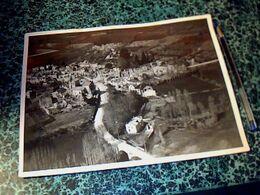 """Photographie Originale De Oradour Sur Glane 18 X  23 Cm Env. Tampon """" Association Nationale Des Familles Des Martyrs"""" - Luoghi"""