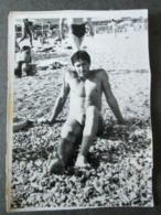 BOY ON A BEACH,GARÇON SUR UNE PLAGE, ORIGINAL PHOTO - Personnes Anonymes