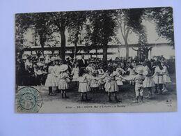 CPA  03 VICHY  Bal D'Enfants: La Ronde 1906TBE - Vichy