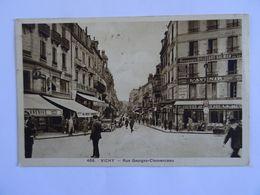 CPA  03 VICHY  Rue Georges-Clémenceau 1938   Animée Magasins  TBE - Non Classificati