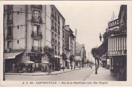 SARTROUVILLE - Rue De La République (Carrefour Rue Turgot) - Tabac - Hôtel - Sartrouville