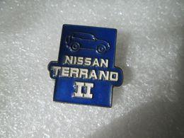 PIN'S    NISSAN  TERRANO  II - Pin