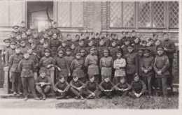 Armée Belge - Carte Photo - Une Soixantaine De Soldats - Unité à Déterminer - Pas Circulé - BE - Regimente