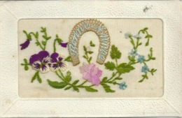 BRODEE    SUPERBE  , BONNE ANNEE - Embroidered