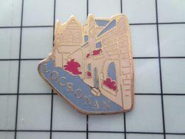 SP01 Pins Pin's / Rare & Belle Qualité THEME VILLES / BRETAGNE LOCRONAN - Steden
