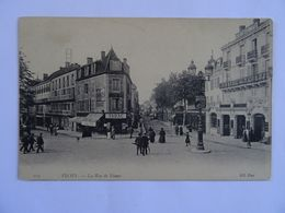 CPA  03 VICHY La Rue De Nimes   Animée  TBE - Vichy