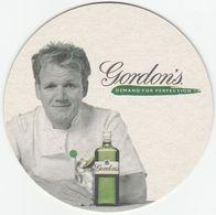 BEERMAT - GORDON'S GIN  (LONDON, ENGLAND) - GORDON RAMSEY - (Cat No 208) - Bierviltjes