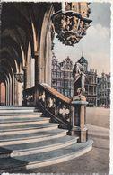 Bruxelles - Hôtel De Ville, L'Escalier Des Lions - Monumenti, Edifici