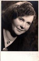 Photo Portrait Studio Originale - Jeune Femme Au Studio Foto Stachonski à Brutzen Vers 1930/40 - Pin-Ups