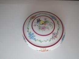 BONBONNIERE, SUCRIER Porcelaine LIMOGES. Diamètre 13 Cm Env, Haut 4,9 Cm Env, Poids 130 Grammes - Limoges (FRA)
