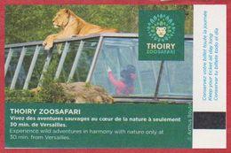 """Zoo De Thoiry. Yvelines (78). Visuel: Le Tunnel De Verre Pour L""""observation Des Lions, Une Lionne. 2020. - Biglietti D'ingresso"""
