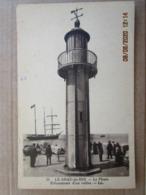 CPA 30 LE GRAU Du ROI -  Le Phare Echouement D'un Voilier  écrite Et Timbrée  Vers 1935 - Le Grau-du-Roi