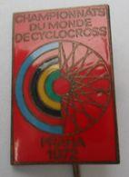 Cycling Cyclocross World Championships Prague 1972 CHAMPIONNATS DU MONDE DE CYCLOCROSS PRAHA 1972  PINS BADGES P4/5 - Ciclismo