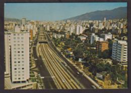 Venezuela - Circa 1970 - Tarjeta Postal - Avenida Libertador - Caracas - Non Circulee - A1RR2 - Venezuela