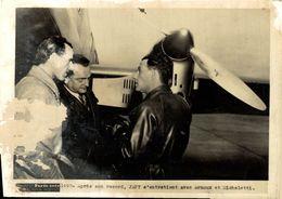 APRES SON RECORD JAPY AVEC ARNOUX ET MICHELETTI SEE SCAN SOME DAMAGE PHOTO PARIS SOIR 20*15CM - Aviation