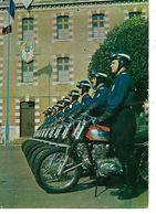 89 - Centre D'Instruction De La Police à SENS (89) - Formation Des Motocyclistes (Beau Plan) - Police - Gendarmerie