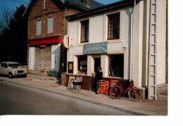 Photo D'un Commerce Librairie, Papeterie, Jouets, Presse, Cadeaux, Articles De Pêche  R. Hurpet Dans Les Ardennes - Ohne Zuordnung