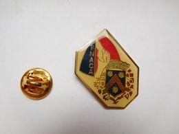 Beau Pin's , Armée Militaire , Anciens Combattants FNACA , Blason - Militair & Leger