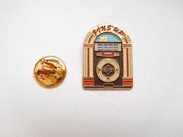 Beau Pin's En Relief ,  Musique , Jukebox , Pins' Up - Musik