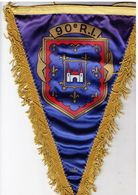 Fanion-souvenir Triangulaire 90° Régiment D'Infanterie. 200 X 300 Mm. Imprimé. - Insegne