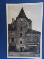 SAINT CÉRÉ PLACE DE L'ÉGLISE  MAISON PITTORESQUE  BOULANGERIE - Saint-Céré