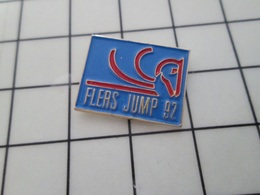 216b Pin's Pins / Beau Et Rare / THEME : SPORTS / EQUITATION FLERS JUMP 92 CHEVAL STYLISE - Pin's