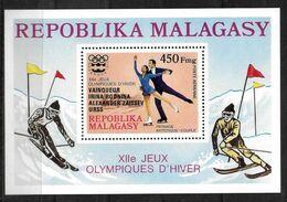 MADAGASCAR   BF 14  * * SURCHARGE NOIRE  Jo 1976 Patinage Artistique - Figure Skating
