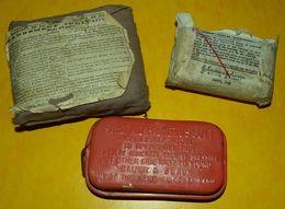 LOT DE 3 PANSEMENTS INDIVIDUEL, 1 FRANCAIS DE 1939 ET 1 AMERICAIN EN TISSU DE 1943 ET 1 AMERICAIN EN BOITE METAL ROUGE, - Equipement