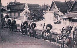 Indochine, Cambodge, Phnom-Penh, Elephants Du Roi Harnachés Pour La Promenade (1627) - Kambodscha