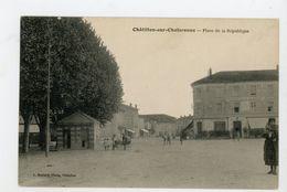 CPA: 01 - CHATILLON-SUR-CHALARONNE - PLACE DE LA RÉPUBLIQUE - - Châtillon-sur-Chalaronne