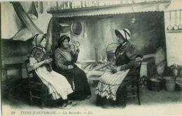 76. Types D'Auvergne. - Les Bavardes. - LL - Costumes